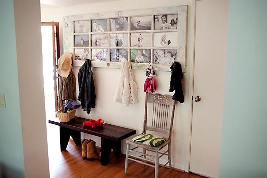 foto de puerta/galería en salón o pasillo
