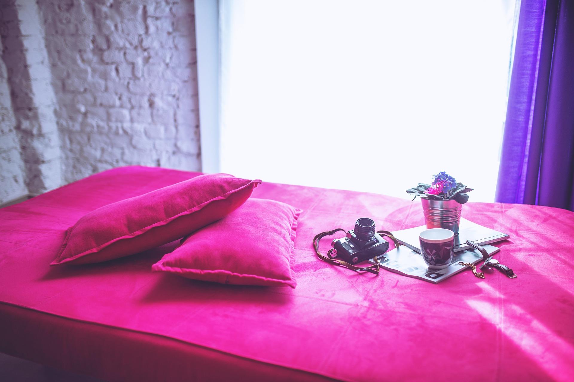 loft de color rosa