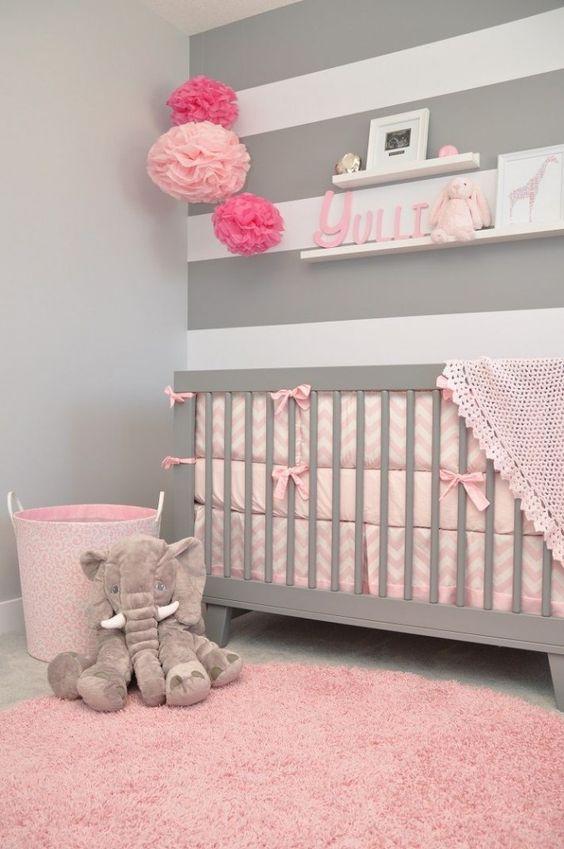 Habitación para bebé en gris y rosa